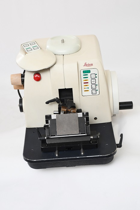 Leica RM 2155 Rotary Microtome