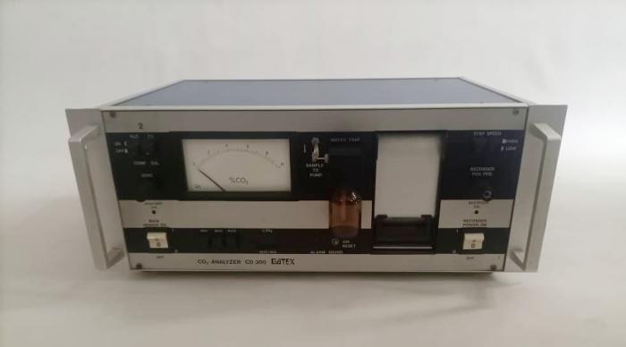 Datex CD 300 CO2 Analyzer2