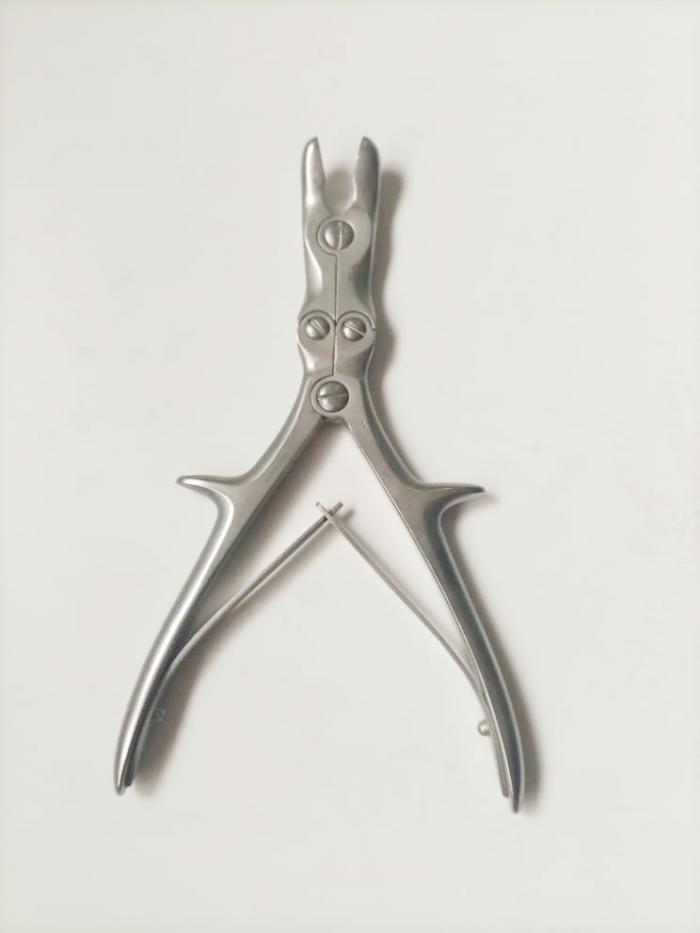 Wire cutter or bone cutter